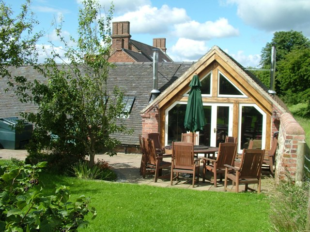 self catering holidays staffordshire