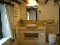 Hillside-Croft-master-bathroom