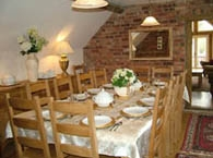 Billys-Bothy-large-dining-room